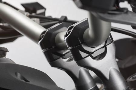 Zestaw podwyższający kierownicę 28mm podwyższenie 30mm SW-MOTECH